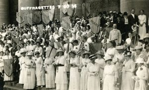 Suffragists at Ohio Statehouse